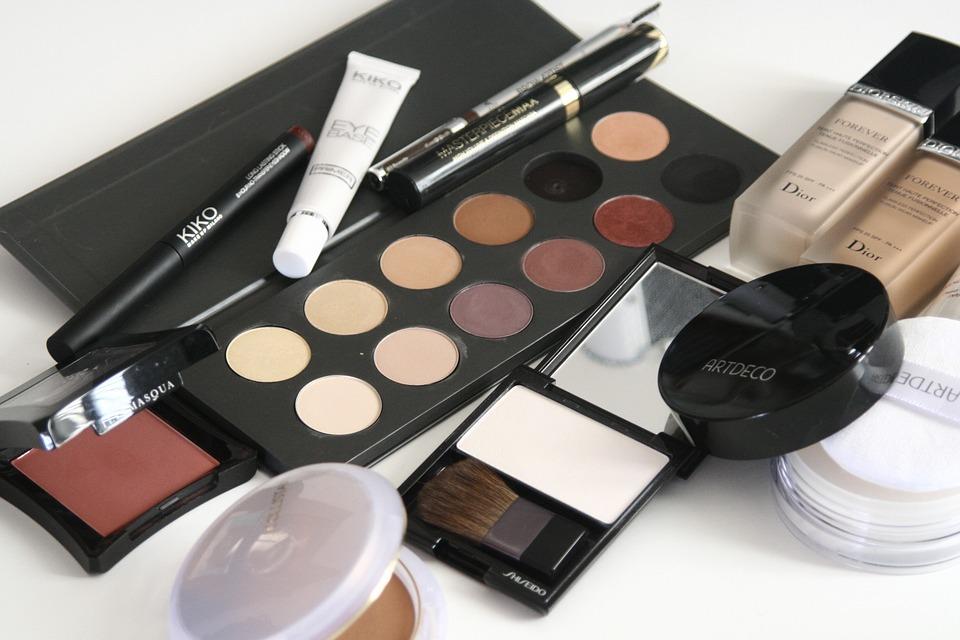 cosmetics mangez.cochons-1063134_960_720
