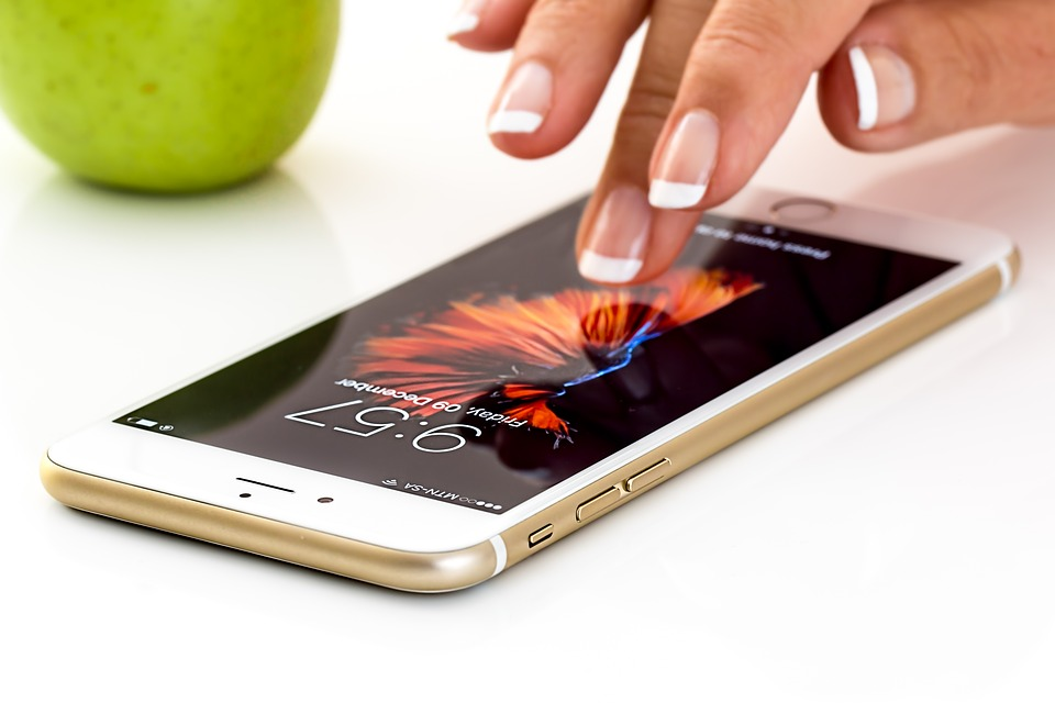 smartphone-1894723_960_720.jpg